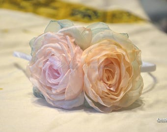 Headband with flowers. Bezel.Delicate headband. Rim with roses. A hair accessory. Accessory with flowers.