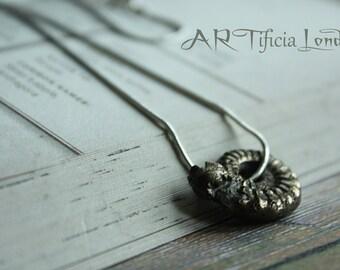 Pirite raro fossile dell'Ammonite su collana in argento | 195 milioni di anni fa!
