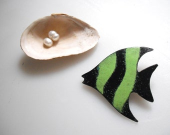 retro enamel fish brooch