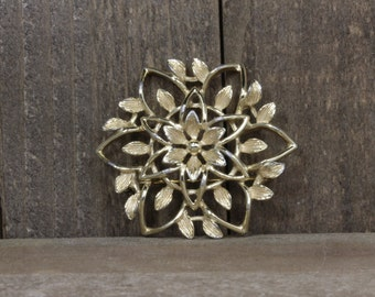 Used Sarah Cov Floral Gold Toned Pin