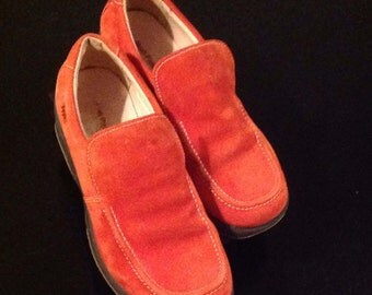 Vintage Hush Puppies Orange Sweden woman LoaferChaussures without laces, size 7.5 US, new condition