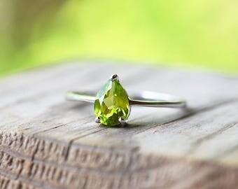 Peridot Ring Peridot Promise Ring Pear Cut Peridot Ring Peridot Ring Silver Sterling Silver Peridot Ring Peridot Engagement Ring Solitaire