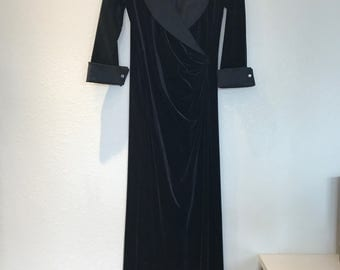 Black velvet Tadashi by Neiman Marcus evening gown