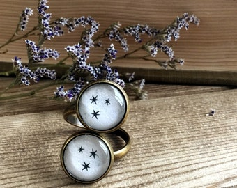 HP stars book page ring. Silver or bronze. Fandom book page ring. Book Page Jewelry. Statement ring. Made from real book pages
