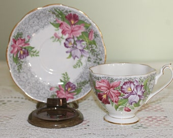 Gorgeous Queen Anne Teacup & Saucer Nottingham Lace Pattern Footed Teacup w/Buttercups Grey Lace Border