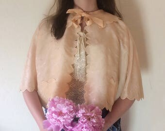 1930s scalloped silk jacket | 1930s brocade bed jacket | peach lingerie jacket