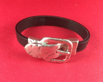 5/7 MADE in EUROPE zamak buckle clasp, silver hammered buckle clasp , flat cord hammered clasp (76881/13) qty1