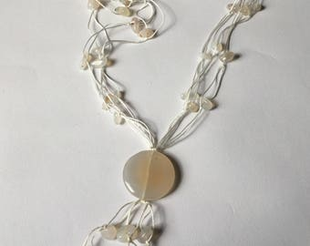 White vintage moonstone necklace