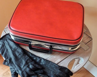 1960's Red Jetliner Small Carry-On Luggage / Train Case / Overnight Case / Made in Canada / Retro Tote / Mid-Century Modern