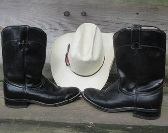 Cowboy Boots, Vintage, Laredo, Men's size 8D,Leather, Ropers, made in USA, 1980's