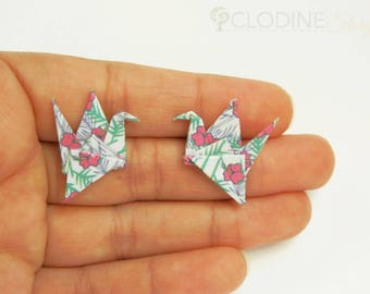 White floral origami crane stud earrings, Origami crane, Stud earrings, Posts earrings, Paper jewelry, Origami jewelry, Bird jewelry, gift
