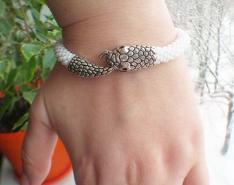 Snake bracelet For women Beaded jewelry Snake head bracelet Gift for her Halloween Silver snake White Christmas gift Birthday gift Unisex
