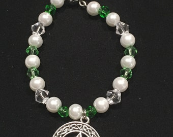 Green/Clear Glass & Pearl Bead Celtic Knot Toggle Bracelet (#7818)