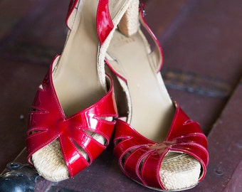 Stuart Weitzman Incredible Cherry Red Patent Leather and Raffia Dancing Heels | Red Heels| Red Dancing Shoes |  Sz 8.5