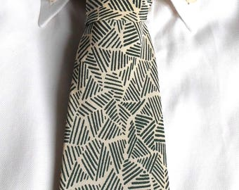 Pure silk tie Christian Dior original vintage years 90. Free shipping within Europe. Silk ties. Beige and green tie