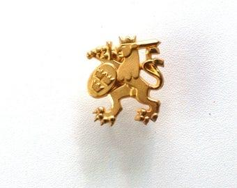 Vintage lion military badge, three crowns pins , Swedish crowns