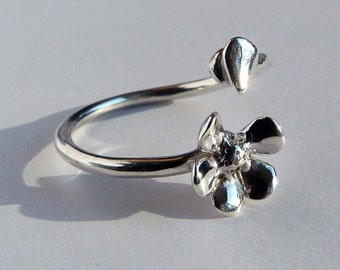 Love me, love me not - Flower Ring - Solid 925 Silver