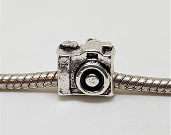 Silver Camera Charm for European Bracelets (item 093)