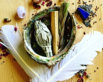Smudge Kit | White Sage, Palo Santo, + Sweetgrass, Smudge Feather in an Abalone Shell