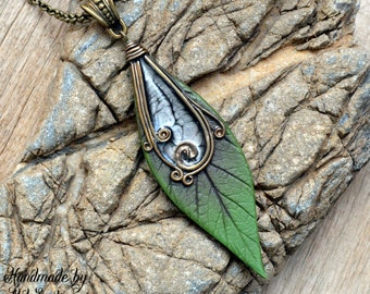 Leaf necklace Leaf pendant Leaf jewelry Green necklace Green pendant Green jewelry Elven necklace Elven pendant Elven jewelry Polymer clay