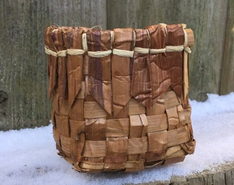 Cedar Bark Basket / Gift basket / Storage basket / nature basket