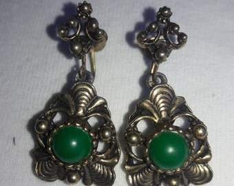 Green Stone Art Nouveau Style in Antique Gold Type Setting Vintage Clip Earrings