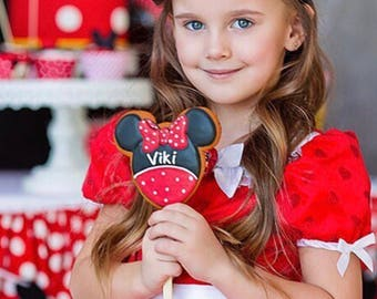 Mickey and Minnie Mouse cookies /// Mickey mouse ears, Minnie Mouse ears, Minnie mouse party, Mickey Mouse party favors, Disney cookies