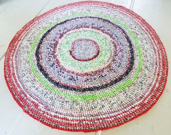 """Vintage round rag rug, 42"""", hand crocheted rug, multi colored rug, play mat, eco friendly baby mat, large bathroom mat, oddandreloved, gift"""