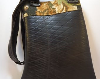 Piel de Rueda - Recycled inner tube bag with inside pocket
