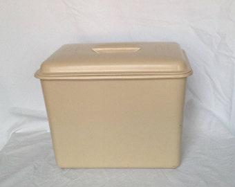 retro plastic bread bin
