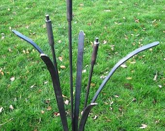 Metal Garden Sculpture Ornament Decoration Rusty Plant Bulrush Handmade Steel