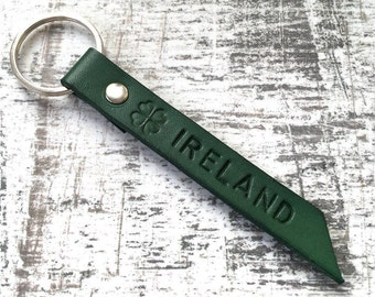 Shamrock keyring, Ireland keychain, Irish key fob, Celtic leather bag tag, St Patricks day, green, 3rd wedding anniversary gift for him, man
