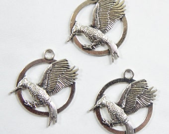Silver Tone Mocking Bird Pendant Charms (3pcs)
