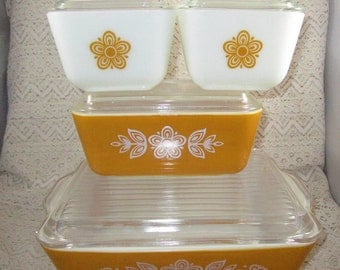 Reserved for J Johnson Pyrex Butterfly Gold, Vintage Refrigerator Set, 4 pieces with lids, Pyrex 501, Pyrex 502, Pyrex 503