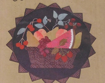"""Fruit Basket Wall Quilt Sewing Pattern, All Through the Night, 217, 20"""" circle"""