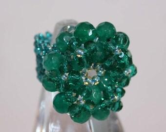 Maxi ring of green crystals and semiprecious.