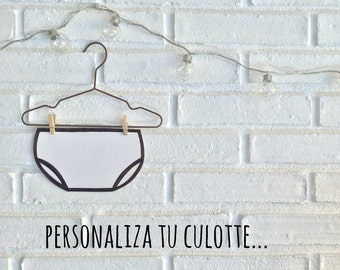 Cubrepanal basic bib personalized for baby.