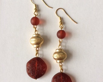 Vintage 1950's Gold Tone Burgundy Aztec Indian Sun Drop Earrings Frosted Lucite Beads