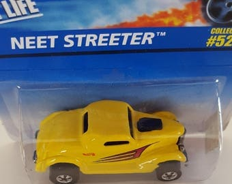 Hot Wheels 1996 Neet Streeter Collector #526 - Die Cast Metal Parts - Coolest to Collect! - Cool Hood Scoop - Guaranteed For Life