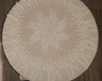 Round knitted tablecloth 40in
