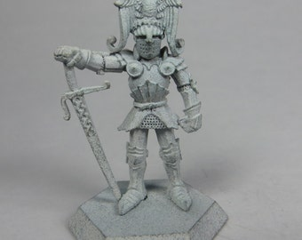 Dungeons and Dragons Miniatures - DND - Limited Edition Paladin - Unpainted - Vintage - Role Playing - RPG - Miniature - Dungeon and Dragon