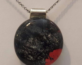 Picture back pendant, pendant, glass stone pendant.