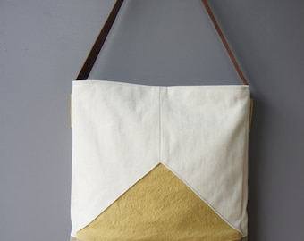 Triad tote in Amber