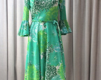 Fresh, Summery Print 1970's Dress in shades of Aqua and Turquoise.