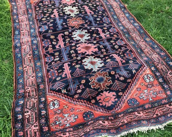 "4'4"" x 6'11"" Jewel Antique Malayer"