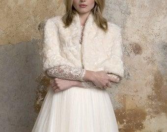 Bridal fur cape with silk lining