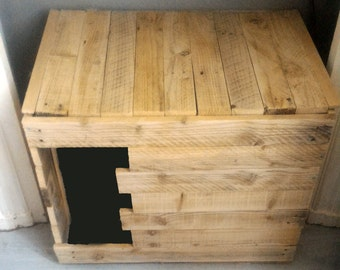 Crate - Cat litter cover in pallets