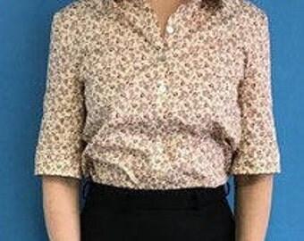 Short sleeved flower blouse