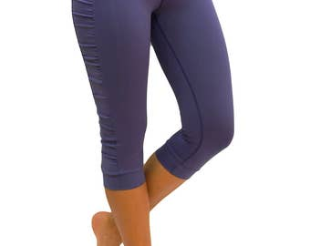 Ruched sides blue capri with thin elastic waist - Kirstin