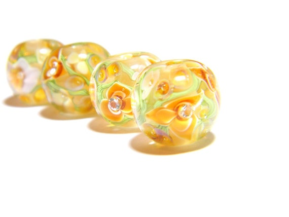 Lampwork Glass Bead - Caramel and vanilla floral 15mm bead - Vanilla Toffee Collection
